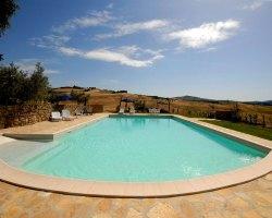 The large indoor swimming pool - Agriturismo Mannaioni